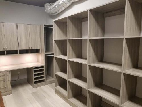 Closets By McKenry Office